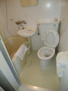 湯河原某旅館ユニットバス内シャワートイレ取付